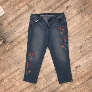 Style & Co 18w Curvy cute boyfriend jeans